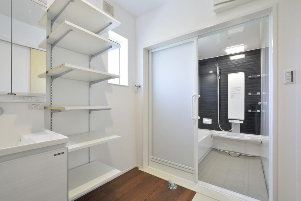 生活動線やフラットな和空間のある注文住宅Simple Box + Box16