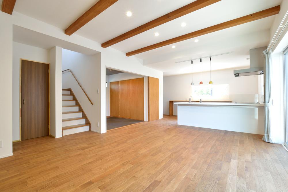 オリジナル収納やこだわりのキッチンスペースのある注文住宅HARMONY01