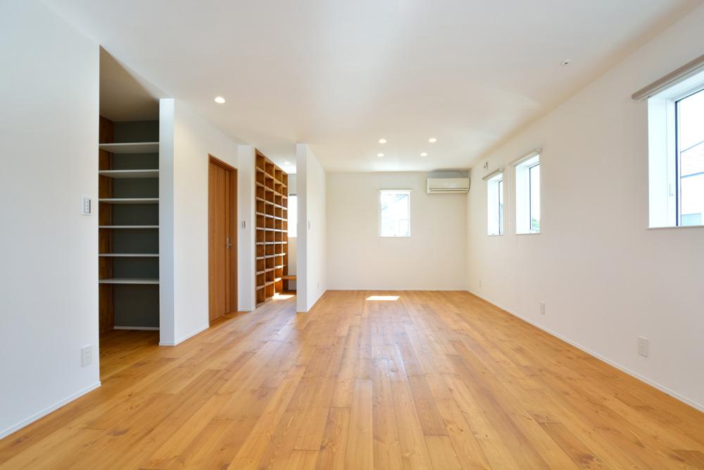 オリジナル収納やこだわりのキッチンスペースのある注文住宅HARMONY07