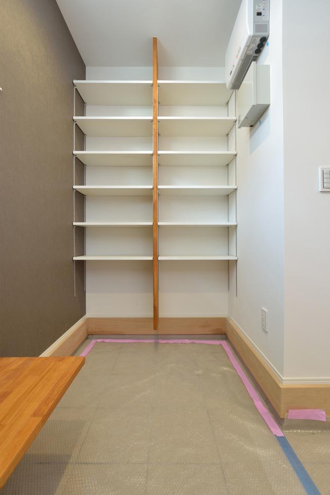 オリジナル収納やこだわりのキッチンスペースのある注文住宅HARMONY13