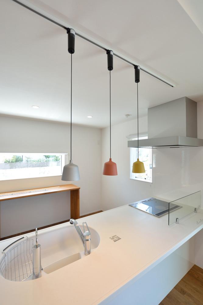 オリジナル収納やこだわりのキッチンスペースのある注文住宅HARMONY14