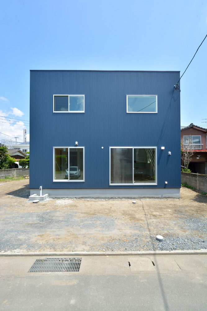ネイビーの注文住宅 Simple Box02