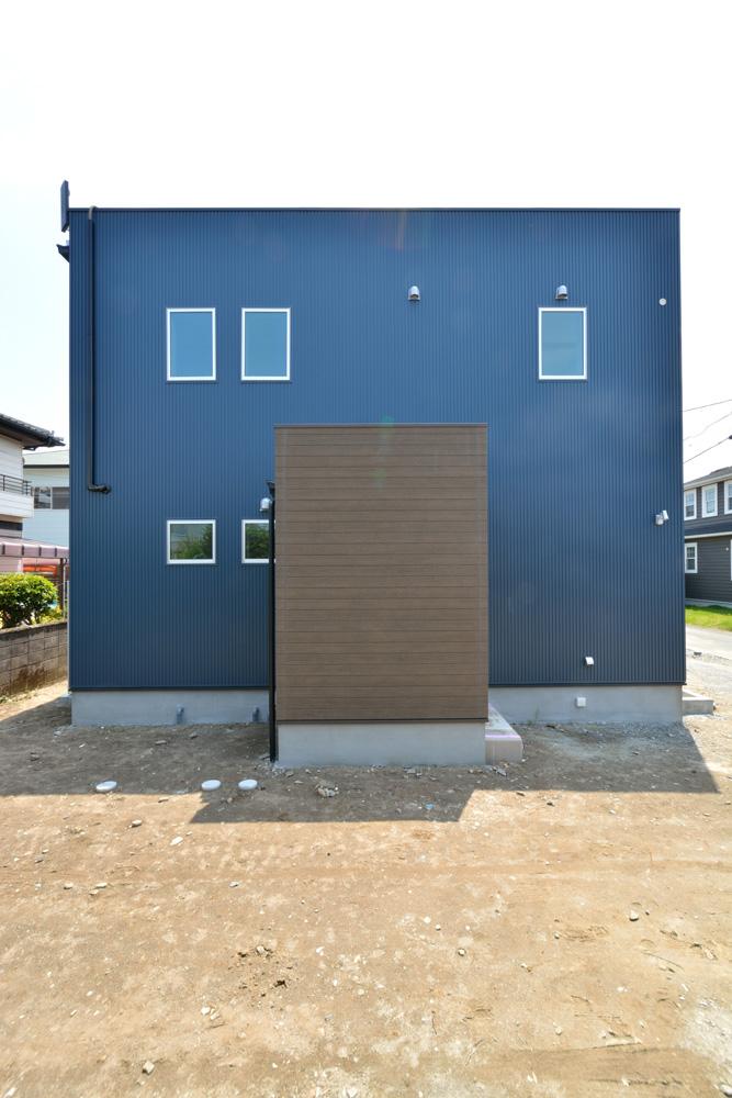 ネイビーの注文住宅 Simple Box01