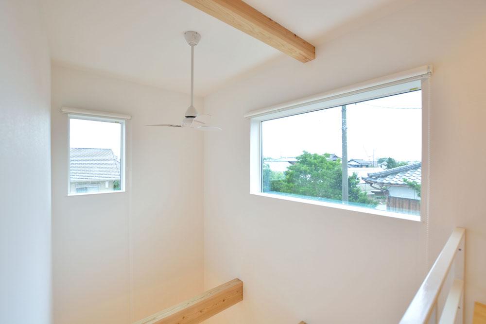 白と青の注文住宅 Simple Box+Box15