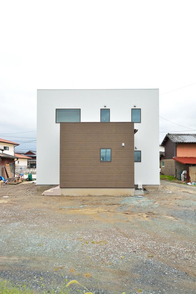 四角いお家、注文住宅 Simple Box+Box(シンプルボックス)01