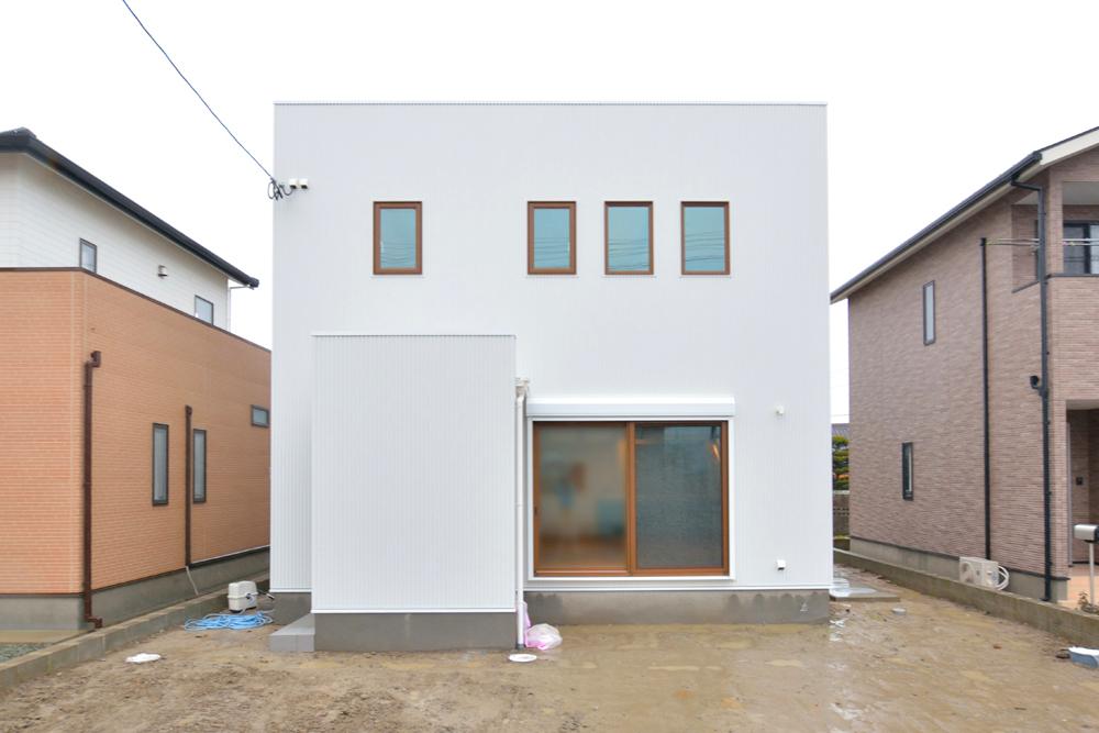 クラシックなカラーで統一した、注文住宅 Simple Box(シンプルボックス)01