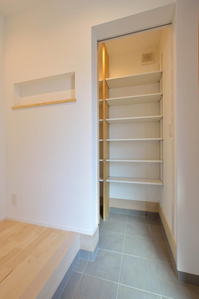 四角の黒いお家、注文住宅Simple Box(シンプルボックス)15