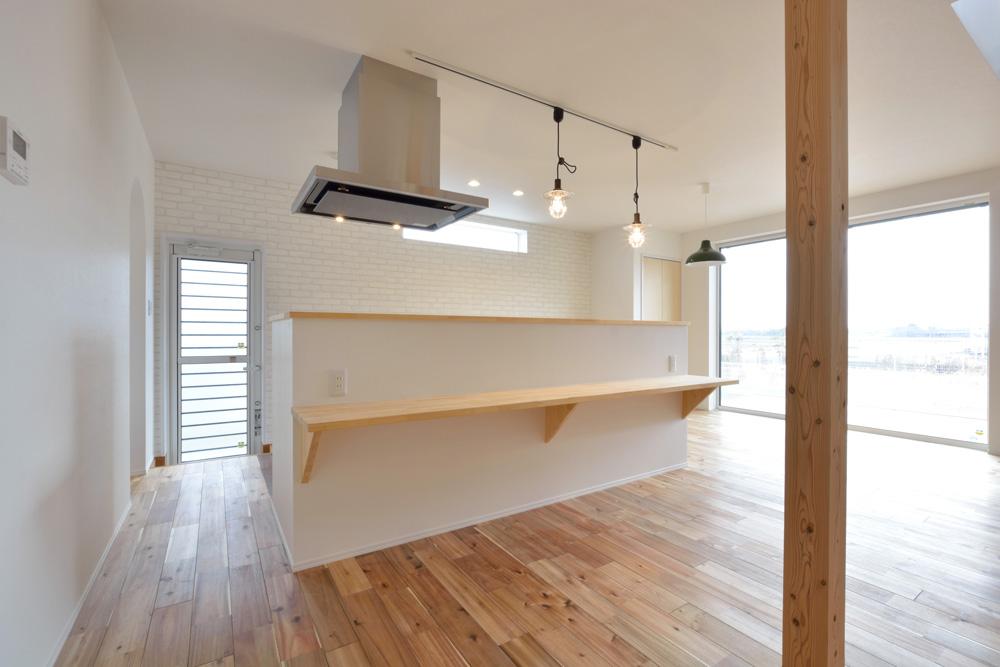 ホワイト+ブラウンの四角いお家、注文住宅Simple Box + Box(シンプルボックス+ボックス)04