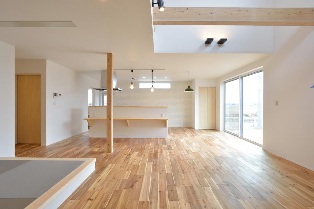 ホワイト+ブラウンの四角いお家、注文住宅Simple Box + Box(シンプルボックス+ボックス)03