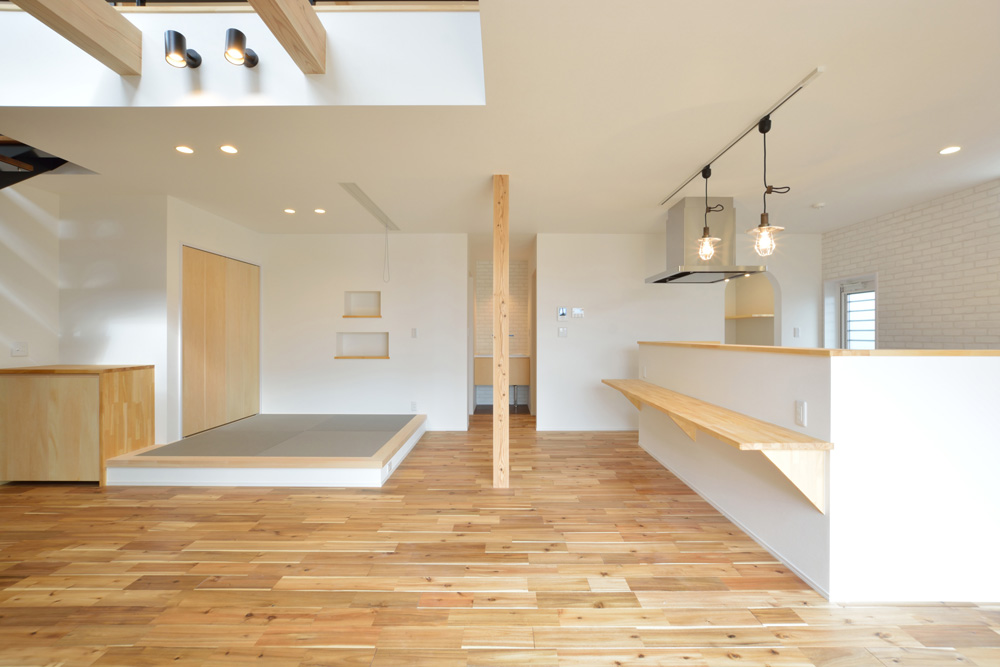 ホワイト+ブラウンの四角いお家、注文住宅Simple Box + Box(シンプルボックス+ボックス)07