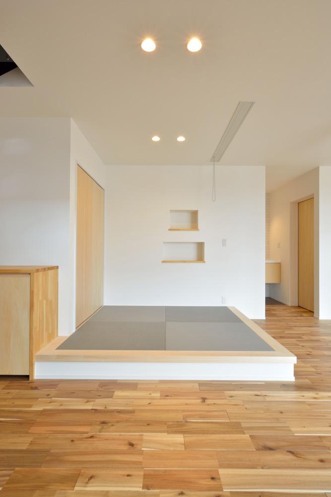 ホワイト+ブラウンの四角いお家、注文住宅Simple Box + Box(シンプルボックス+ボックス)09