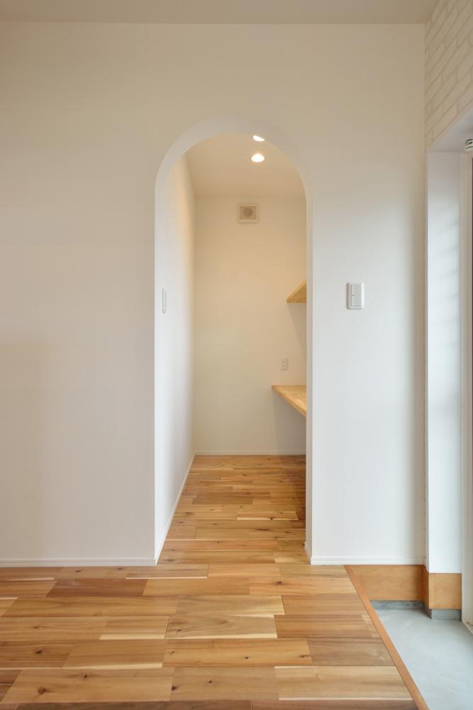 ホワイト+ブラウンの四角いお家、注文住宅Simple Box + Box(シンプルボックス+ボックス)06
