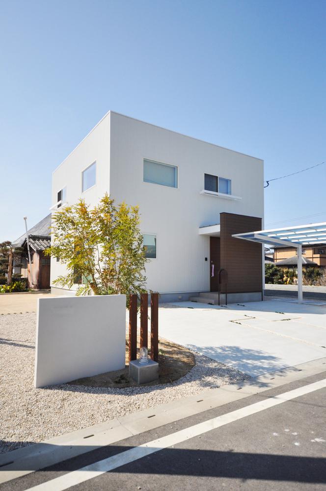 四角の白いお家、注文住宅Simple Box(シンプルボックス)01