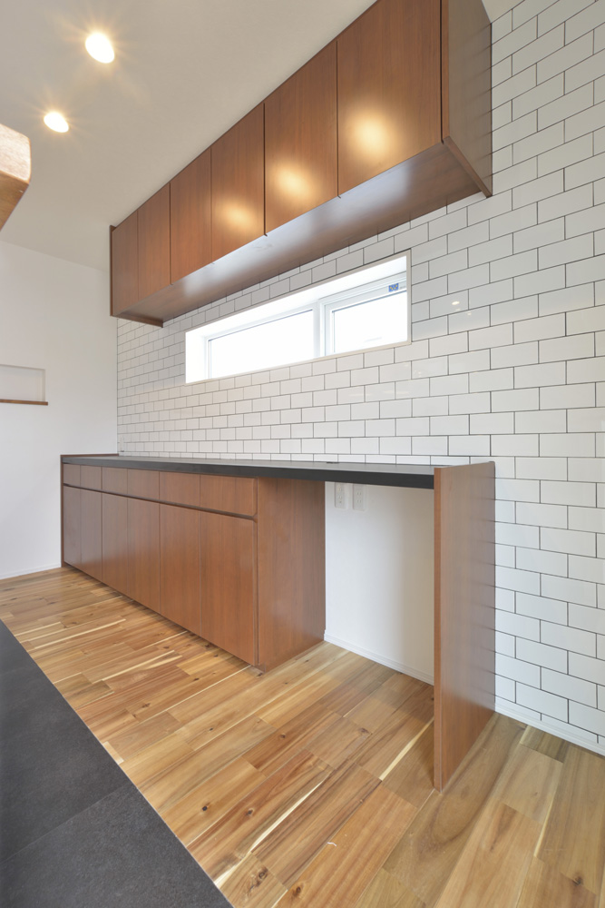 ヘリンボーン+吹き抜け、注文住宅Simple Box(シンプルボックス)05
