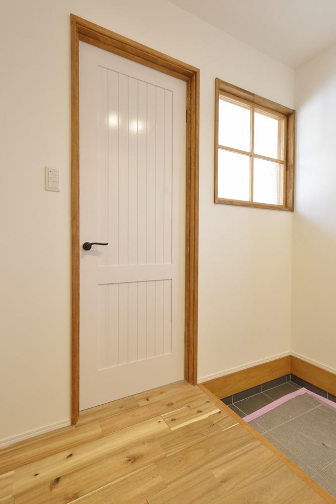 ヘリンボーン+吹き抜け、注文住宅Simple Box(シンプルボックス)09