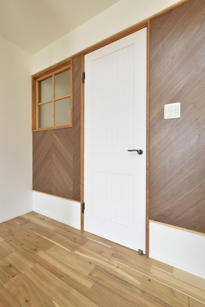 ヘリンボーン+吹き抜け、注文住宅Simple Box(シンプルボックス)08