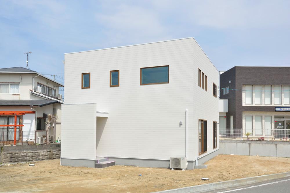 ヘリンボーン+吹き抜け、注文住宅Simple Box(シンプルボックス)01