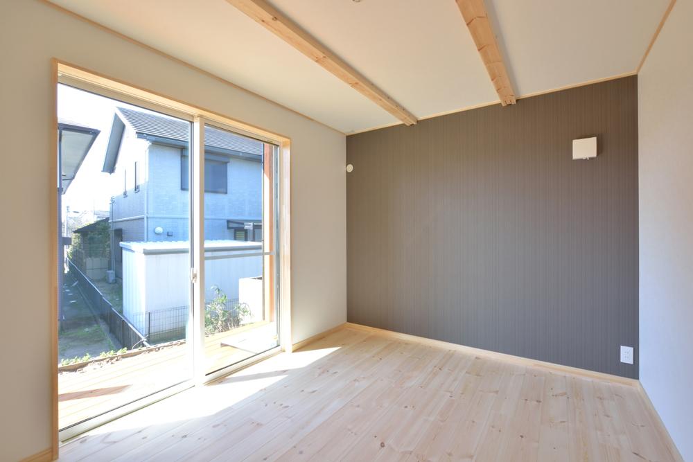 片流れ屋根+黒いガルバリウムの外壁、注文住宅 LOAFER(ローファー)10