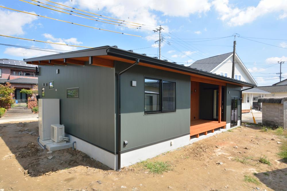 モスグリーンの平屋、注文住宅COVACO(コバコ)01