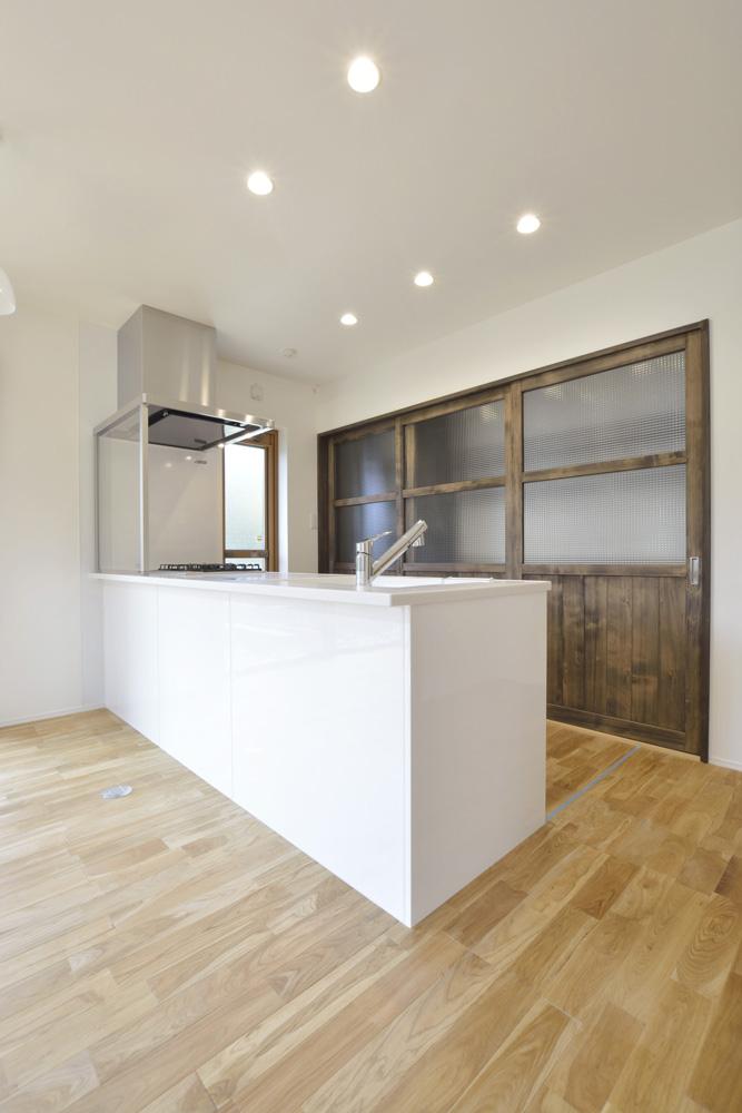 黒いガルバの四角いお家、注文住宅Simple Box(シンプルボックス)05