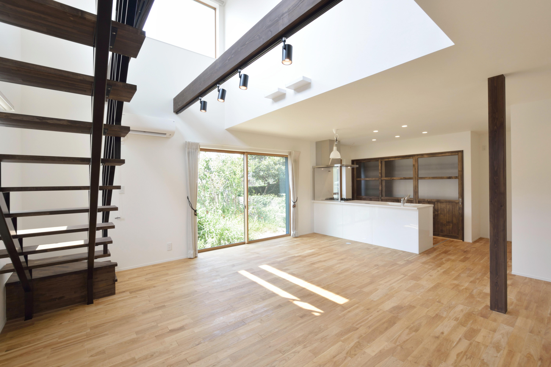 黒いガルバの四角いお家、注文住宅Simple Box(シンプルボックス)04