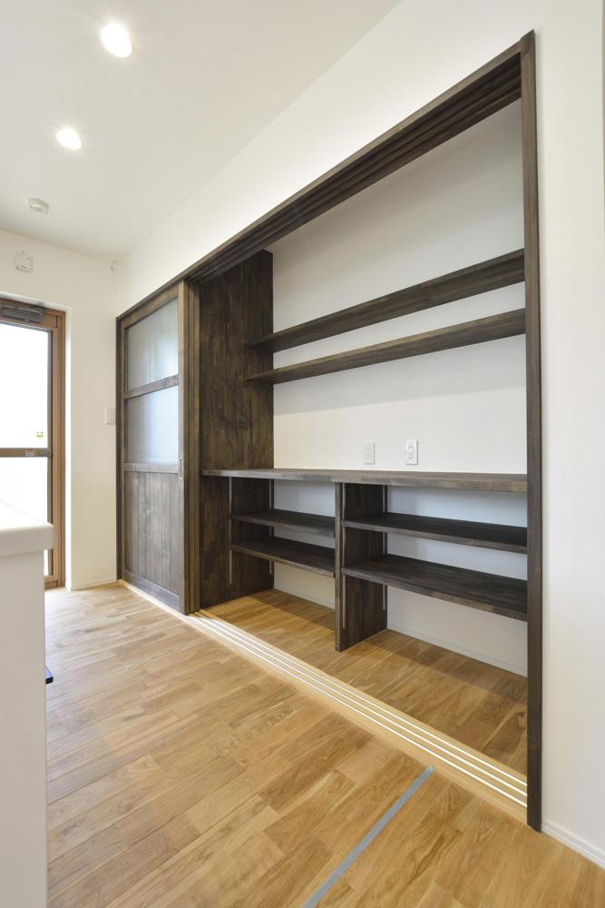 黒いガルバの四角いお家、注文住宅Simple Box(シンプルボックス)07