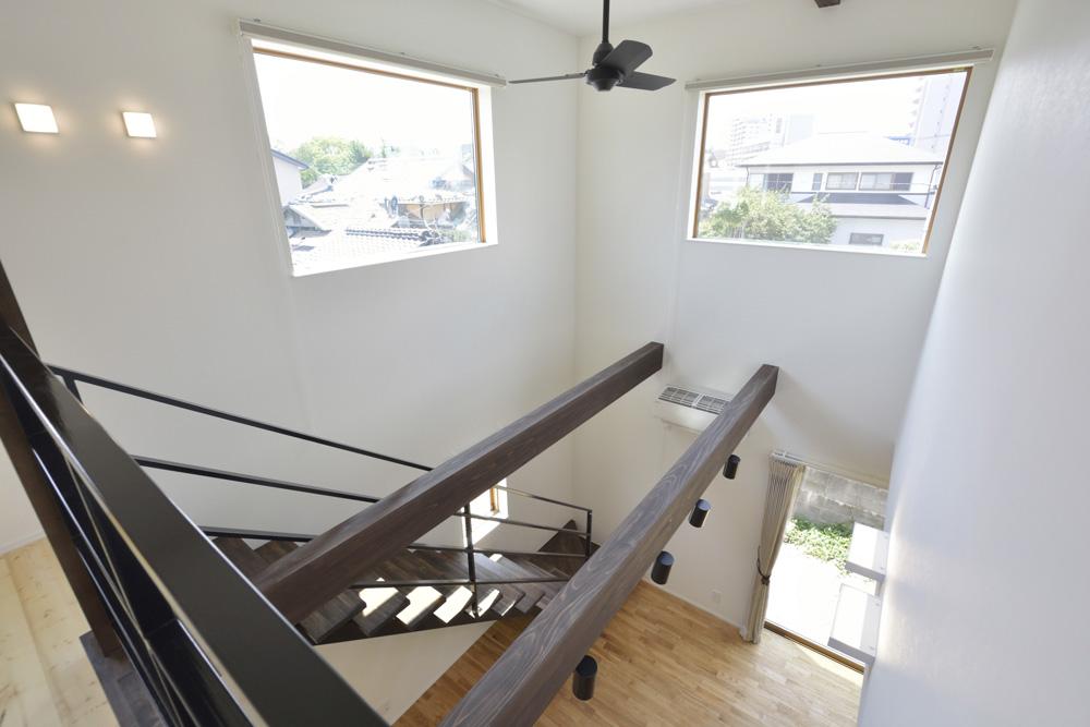 黒いガルバの四角いお家、注文住宅Simple Box(シンプルボックス)09
