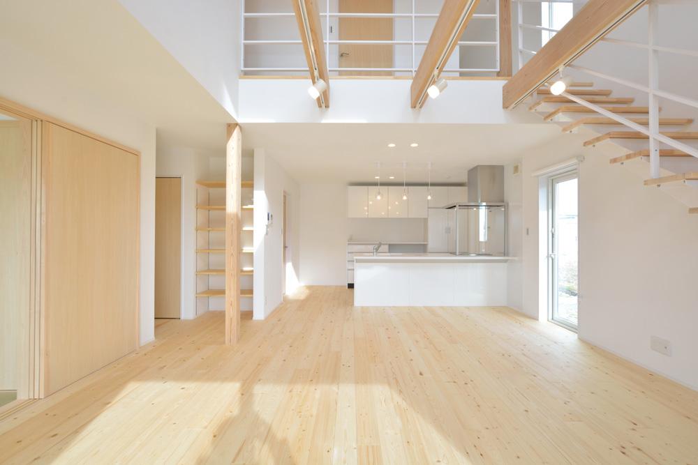 ネイビーと白のお家、注文住宅Simple Box+Box(シンプルボックス+ボックス)02