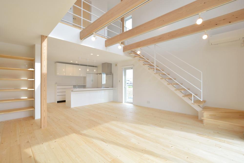 ネイビーと白のお家、注文住宅Simple Box+Box(シンプルボックス+ボックス)03