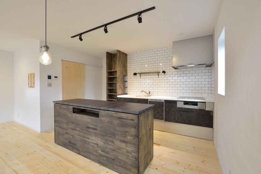 こだわりのキッチンスペースがある注文住宅Simple Box(シンプルボックス)04