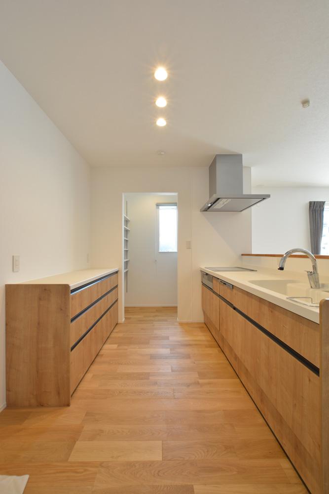 黒いガルバの四角いお家、注文住宅Simple Box+Box(シンプルボックス+ボックス)08