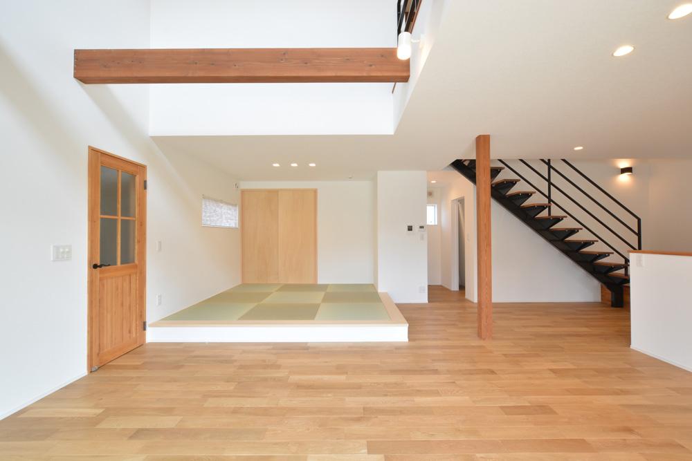 黒いガルバの四角いお家、注文住宅Simple Box+Box(シンプルボックス+ボックス)04