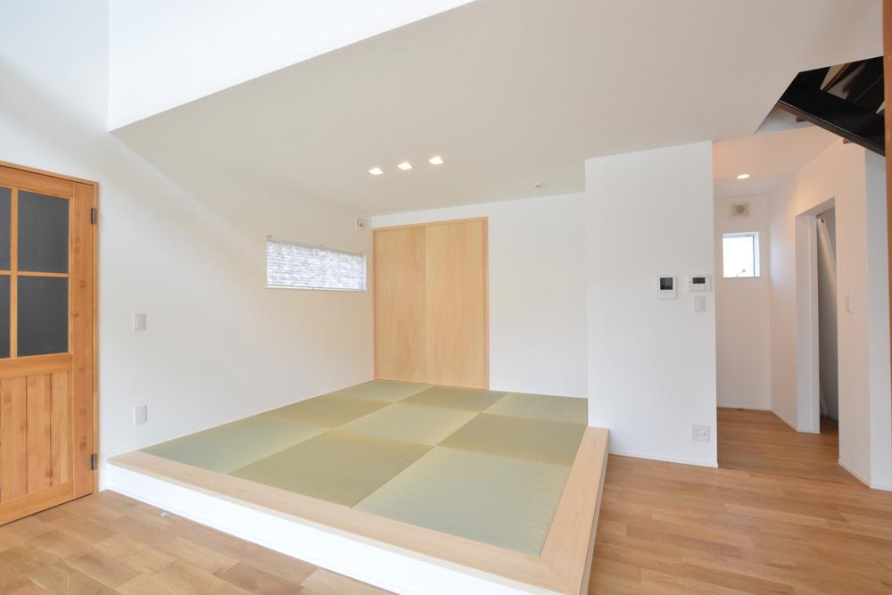黒いガルバの四角いお家、注文住宅Simple Box+Box(シンプルボックス+ボックス)05