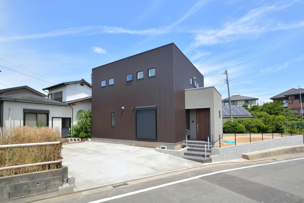 ガルバ&塗り壁の四角いお家、注文住宅Simple Box(シンプルボックス)02