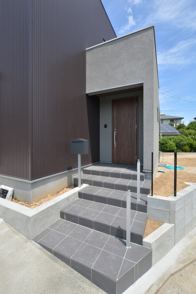 ガルバ&塗り壁の四角いお家、注文住宅Simple Box(シンプルボックス)03