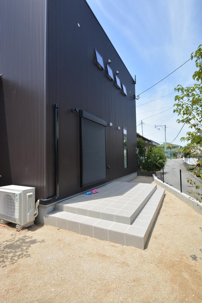 ガルバ&塗り壁の四角いお家、注文住宅Simple Box(シンプルボックス)04