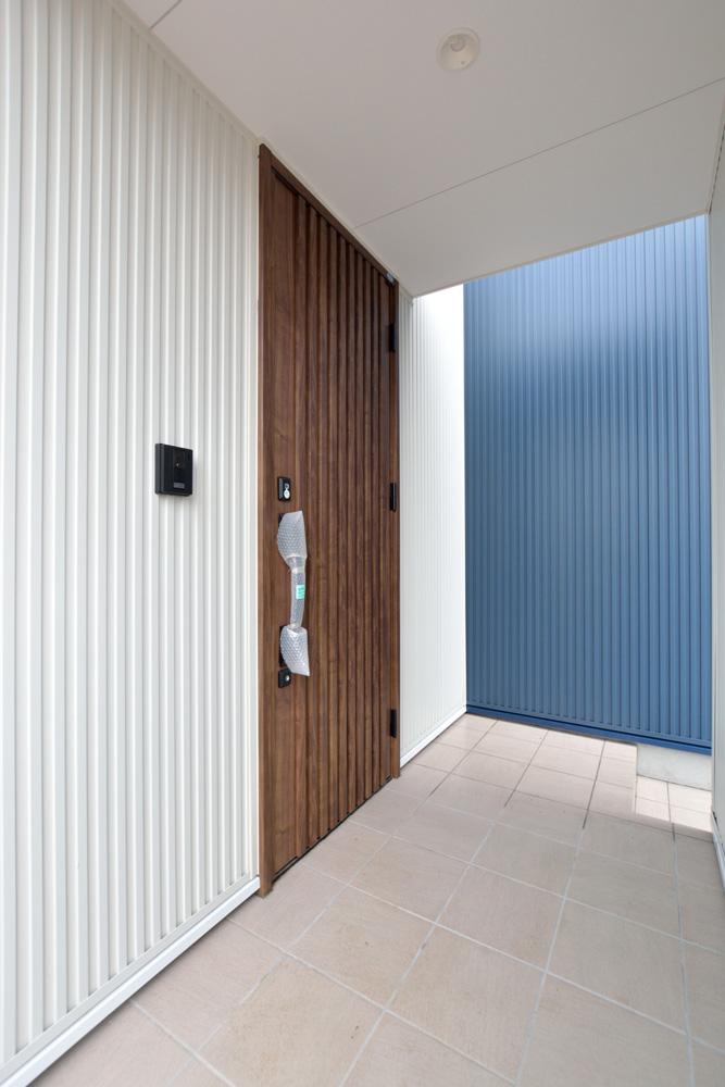 ネイビーの四角いお家、注文住宅Simple Box(シンプルボックス)02