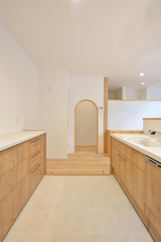 白いシンプルな四角いお家、注文住宅Simple Box+Box(シンプルボックス+ボックス)09