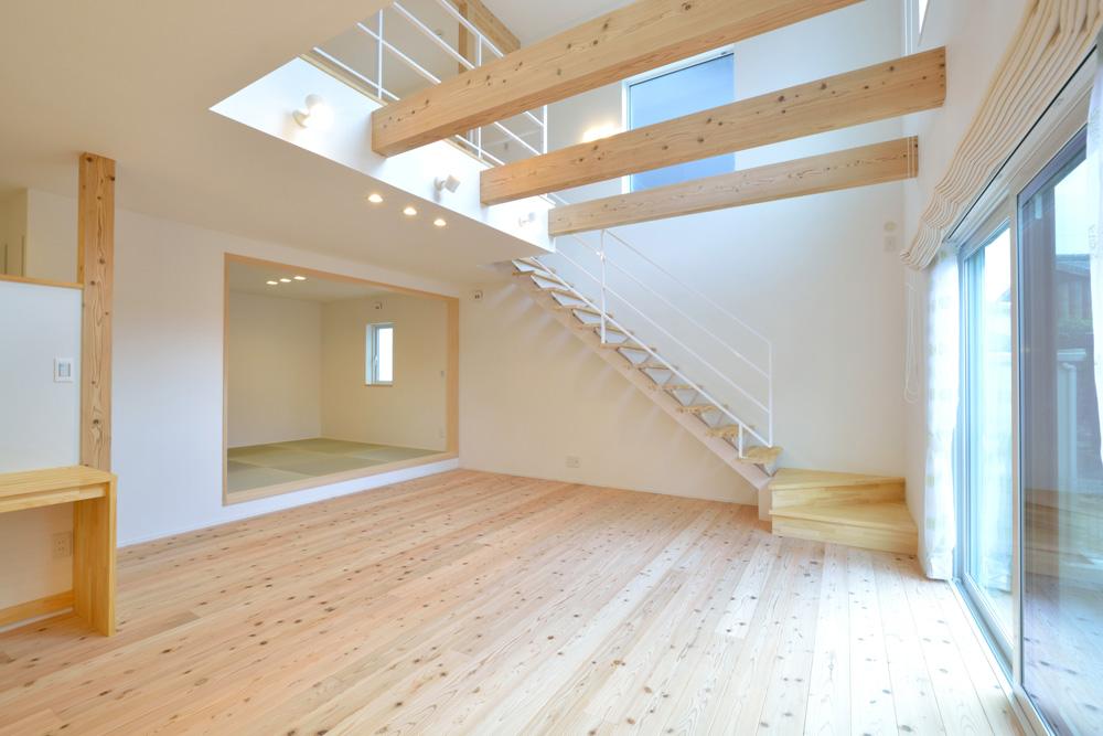 白いシンプルな四角いお家、注文住宅Simple Box+Box(シンプルボックス+ボックス)05
