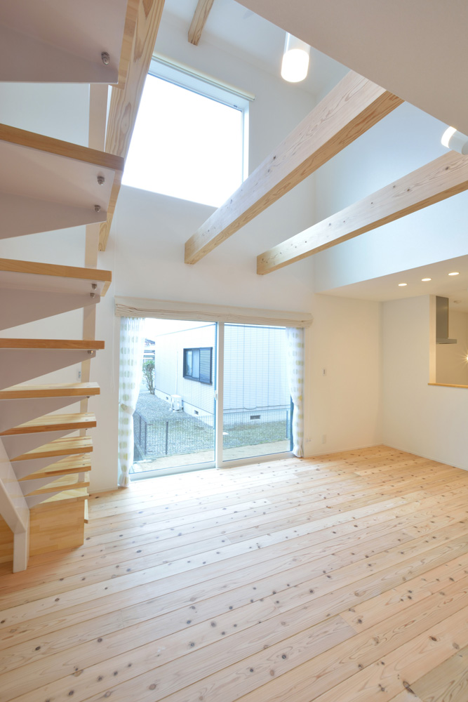 白いシンプルな四角いお家、注文住宅Simple Box+Box(シンプルボックス+ボックス)03