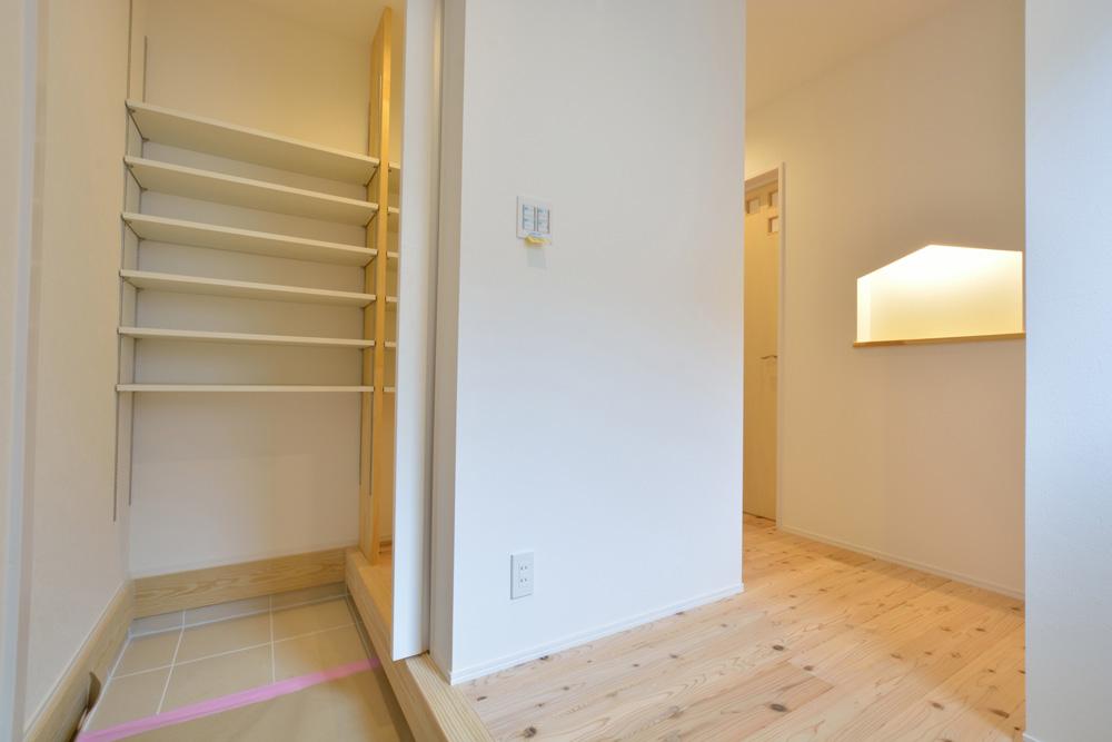 白いシンプルな四角いお家、注文住宅Simple Box+Box(シンプルボックス+ボックス)14