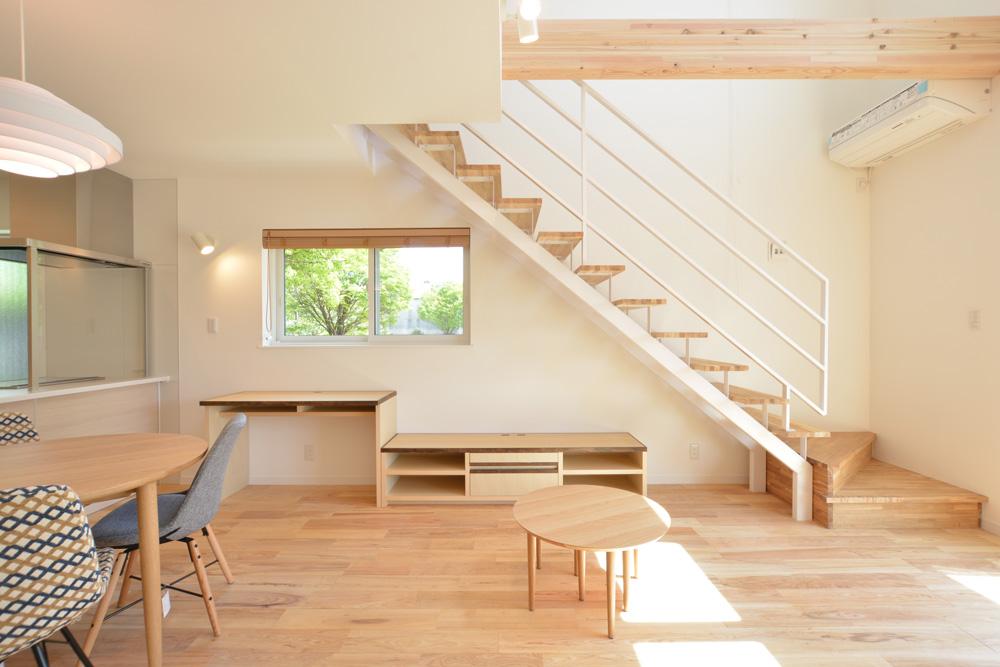 ホワイトアッシュの床材がピッタリなお家、注文住宅HARMONY(ハーモニー)05