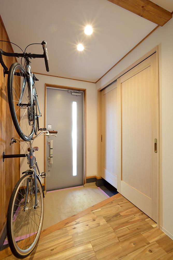 自転車の収納も出来る、暮らしも遊びも楽しくなる注文住宅 LOAFER(ローファー)14