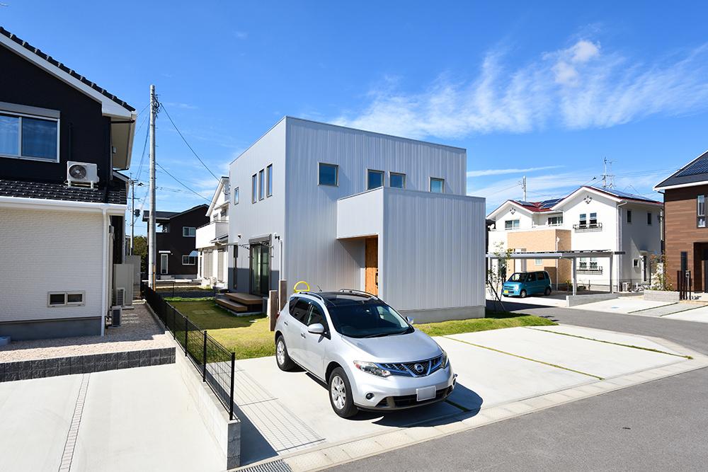 シンプルな四角いお家、注文住宅Simple Box+Box(シンプルボックス+ボックス02