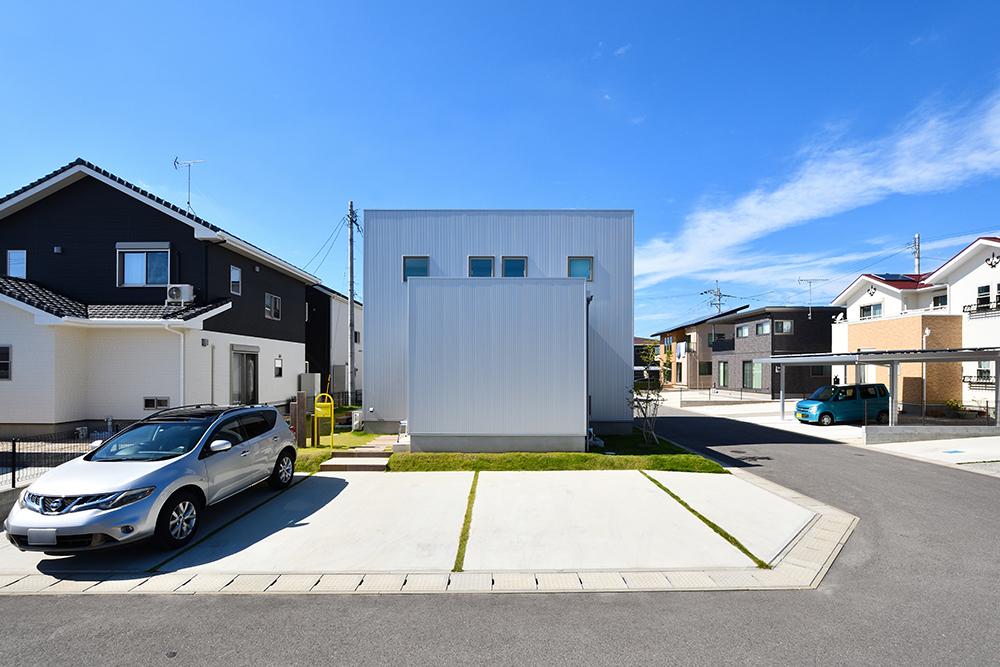 シンプルな四角いお家、注文住宅Simple Box+Box(シンプルボックス+ボックス01
