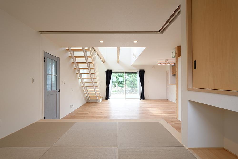 ネイビーのシンプルな四角いお家、注文住宅Simple Box+Box(シンプルボックス+ボックス)06