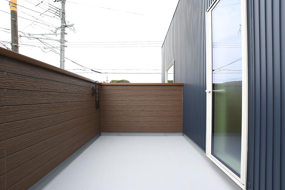 ネイビーのシンプルな四角いお家、注文住宅Simple Box+Box(シンプルボックス+ボックス)14