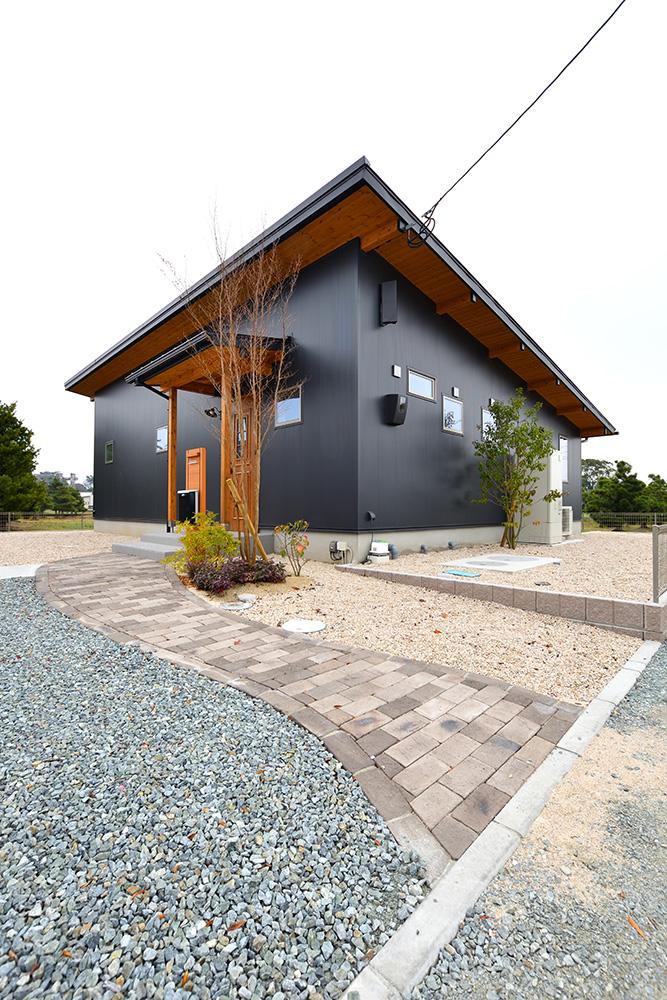 黒い平屋、注文住宅COVACO(コバコ)01