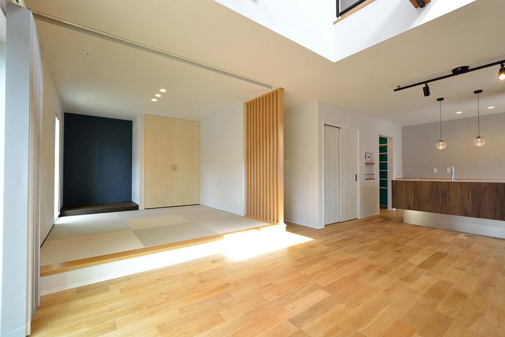黒いシンプルな四角いお家、注文住宅Simple Box+Box(シンプルボックス+ボックス)05