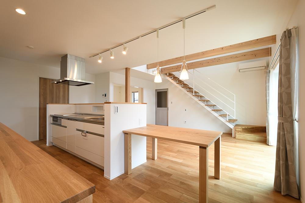 ガルバリウム+塗り壁の四角いお家、注文住宅Simple Box07